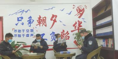 """温宿县公安局托甫汗派出所营造""""文化润疆""""学习氛..."""